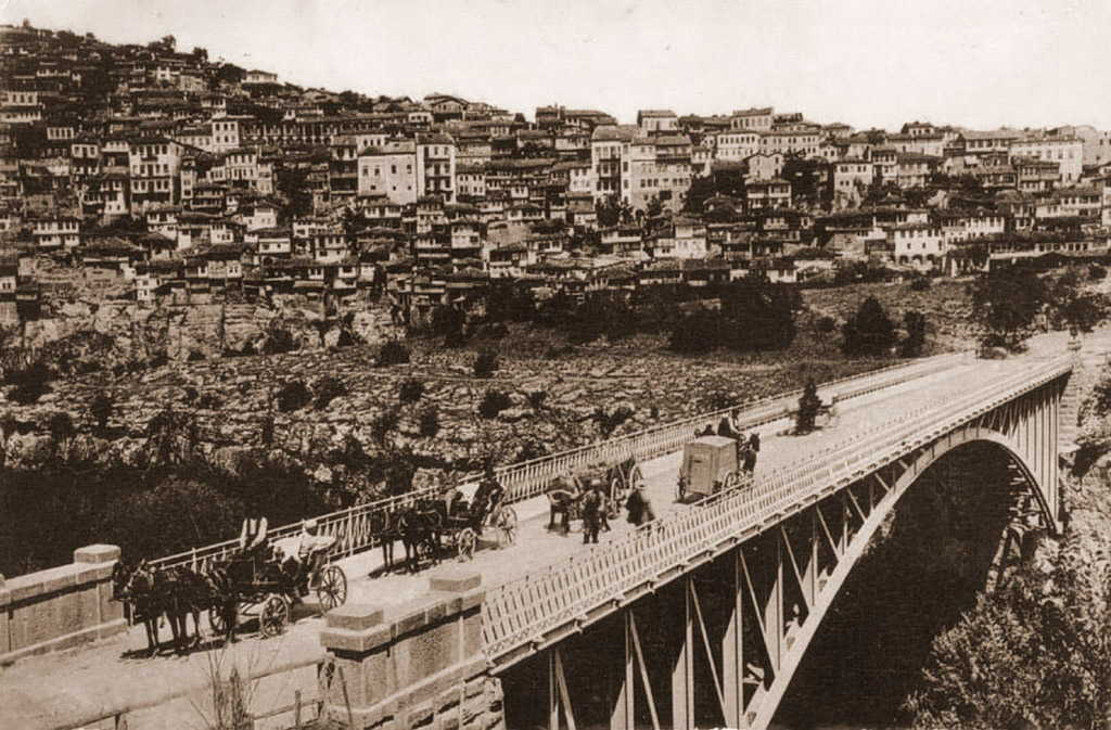 The Stambolov Bridge after its completion