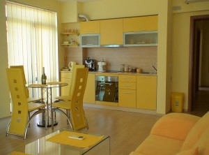 yellow-kitchen-1